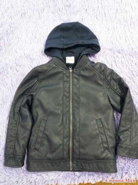 Утепленная куртка на мальчишку. Новая. Россия.