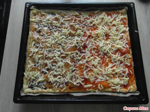 Пицца 2 в 1м. (рыба, спаржа и колбаса, оливки)