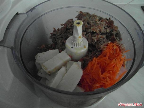 Мясной паштет с морковью по корейски.