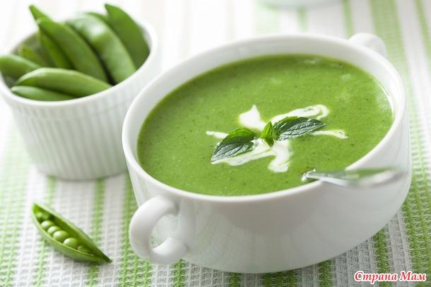 Холодный суп из зелёного горошка.