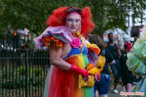 Про Нью-Йорк и ЛГБТ. И просто столько колоритных фото - ну не могу не показать! Пару слов от моего мужчины)))