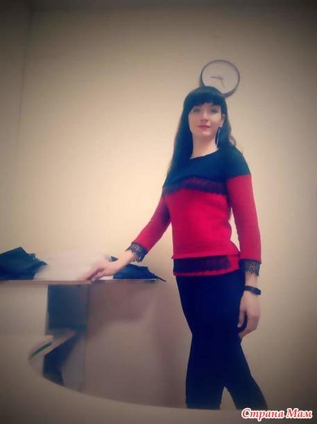 Было платье и кофточка, а стал свитер с кружевом.