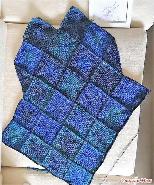 Туника с асимметричным подолом связанная из бабушкиных квадратов.