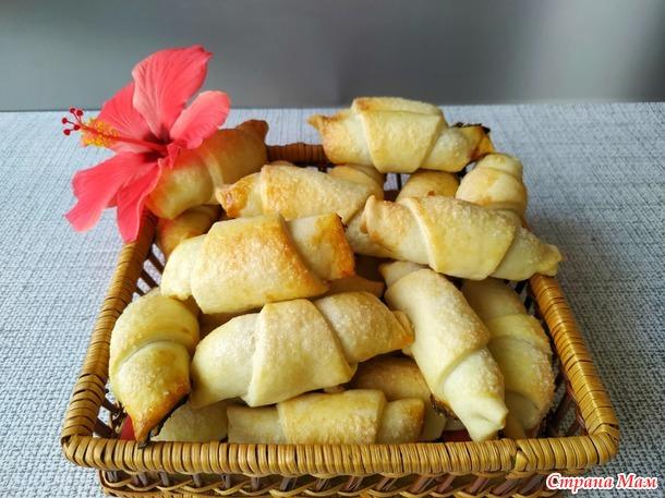 Рогалики с вареньем (тесто без сахара на пиве)