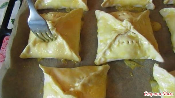 Слоеные конвертики с ветчиной и сыром