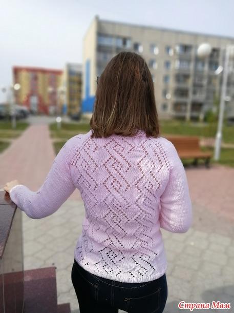 Ажурный пуловер с ромбами