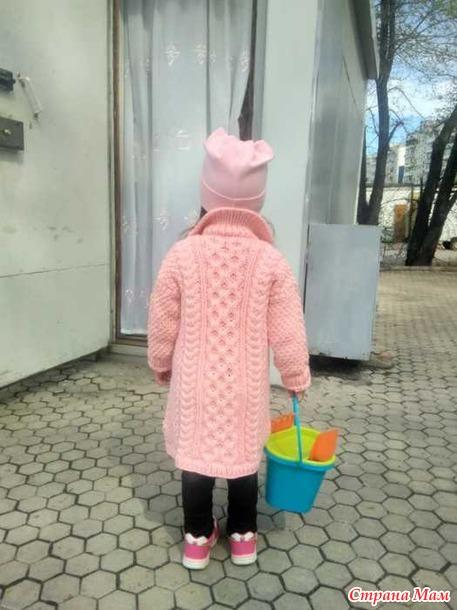 Вязаное пальто для Мирославы.