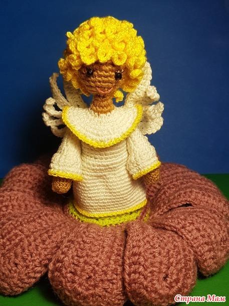 Ангел в цветке крючком