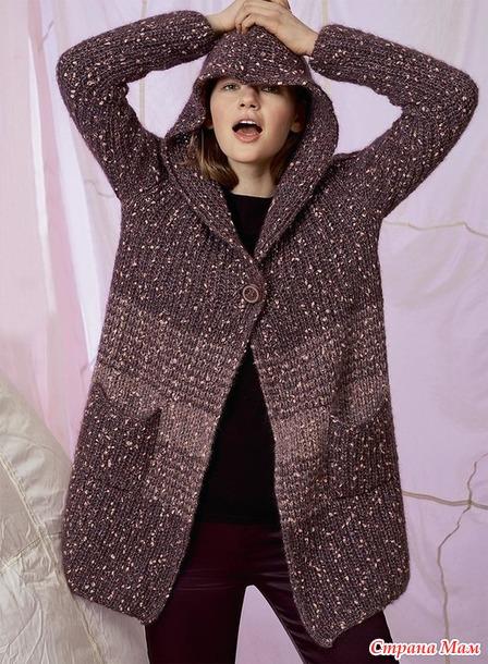 Пальто с капюшоном и карманами